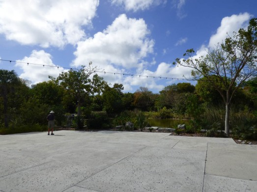 f Lake Terrace
