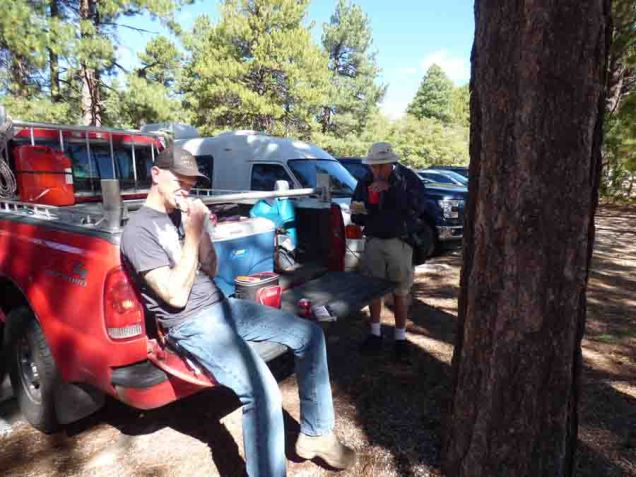 b Christopher Andy Eating Tailgate