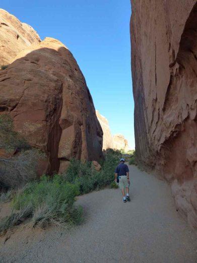 b Devil's Garden Trail
