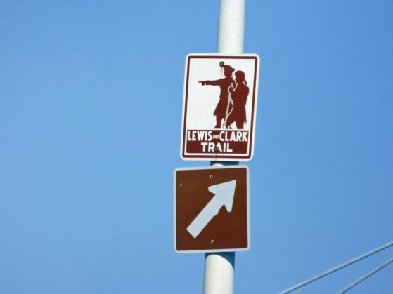 b Lewis & Clark Trail Sign