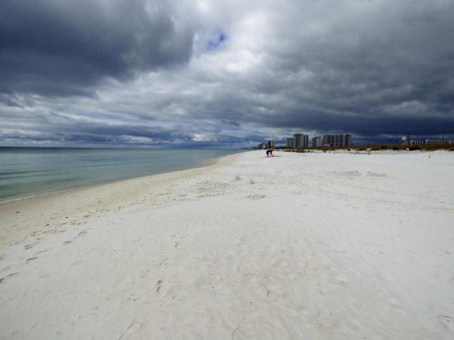 b Dark Clouds White Sand