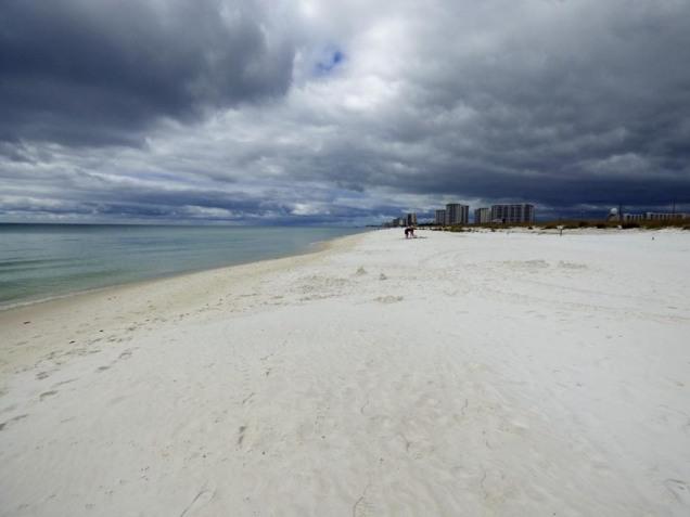b Dark Clouds White Sand
