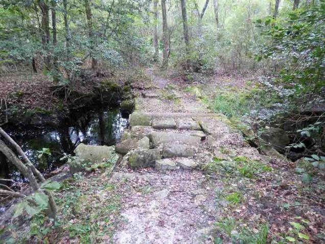 b03 Stone Bridge