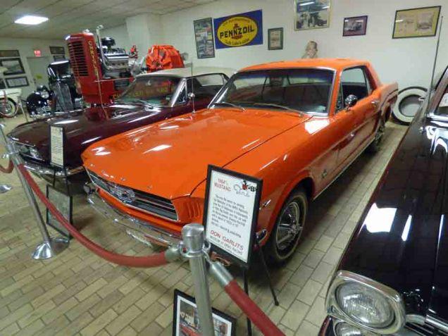 b 1964 Mustang