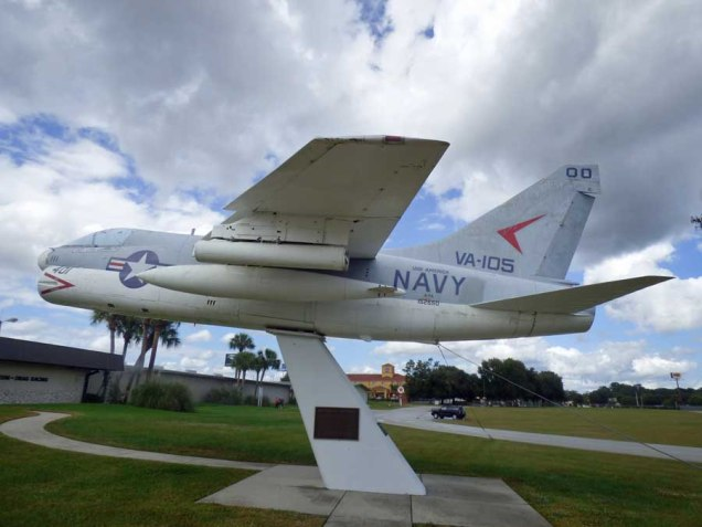 b Navy Jet