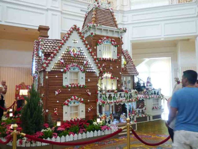 b Gingerbread House