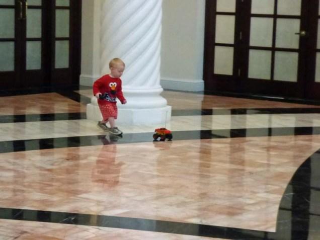 b02 Cam Chasing His Car