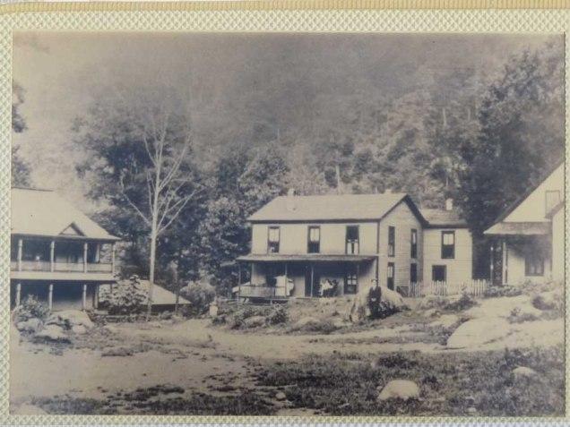 Buildings in Crestmont NC