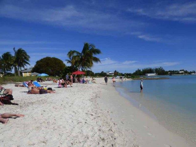 b Sombrero Beach