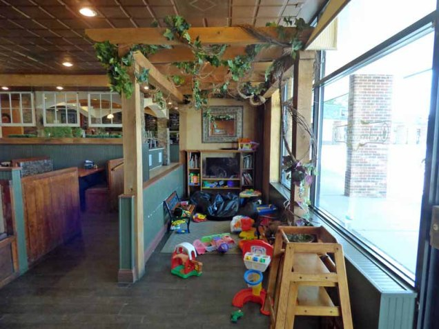 b Children's Play Area at Niccolletti's