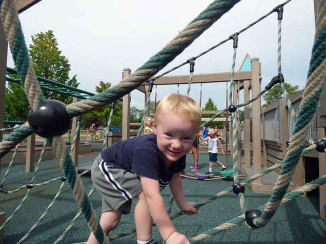 b Cam Climbing Rope Net