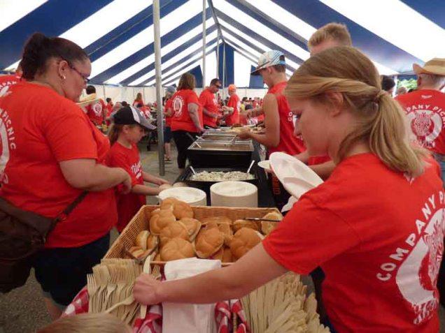 b Food Tent