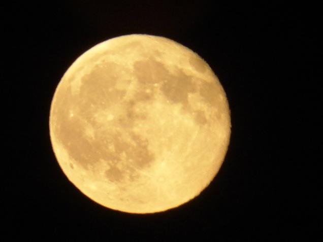 b Full Moon