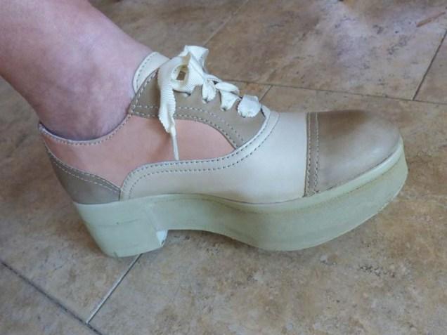 b Granny Shoe Lift