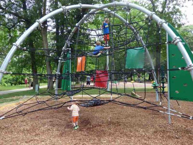 b New Playground Equipment Cedar Creek Park