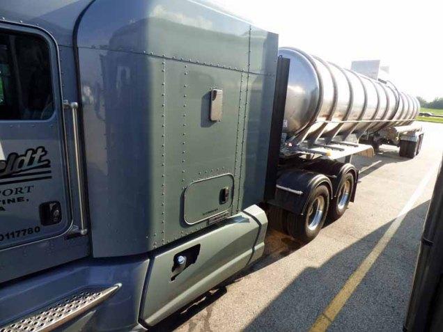 b35 Tanker Truck to Port