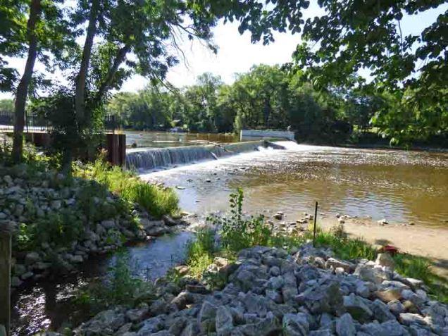 b9 Thiensville Dam