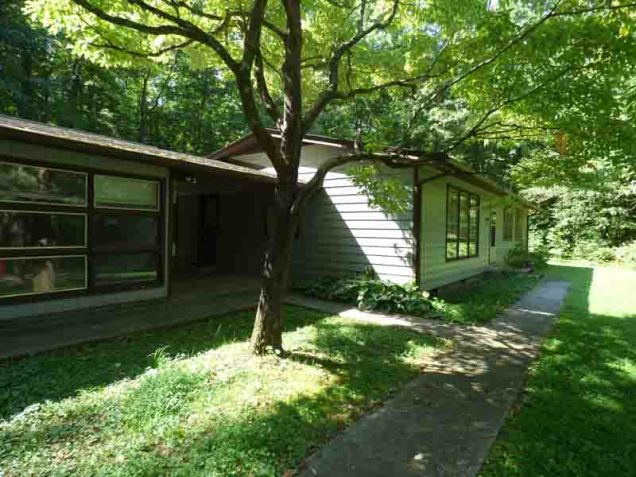 b01 Cosby Ranger Station