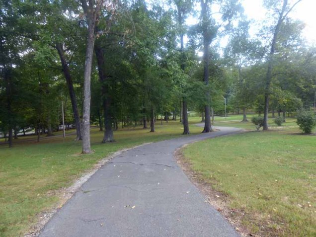 b01-Wal-path-in-newport-city-park