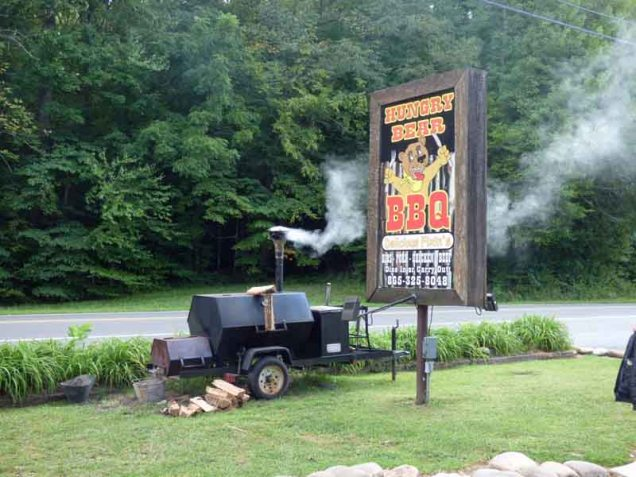 b04 Hungry Bear BBQ Sign