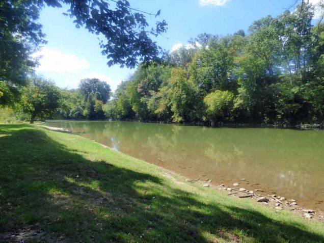 b05-nolichucky-river
