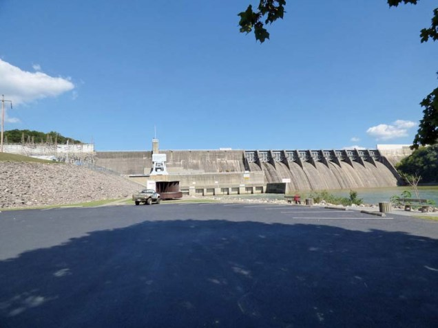b06-douglas-dam