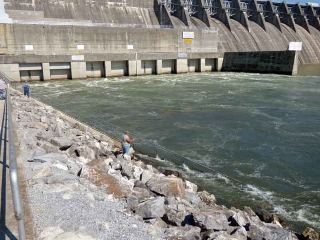b09-fishing-below-dam