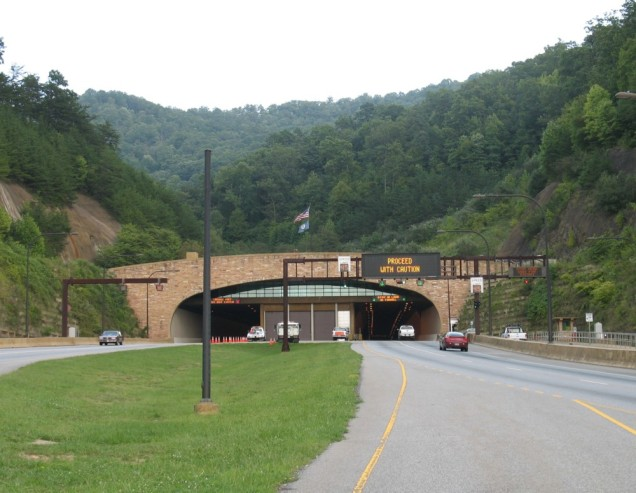 road-tunnel-under-cumberland-mountain