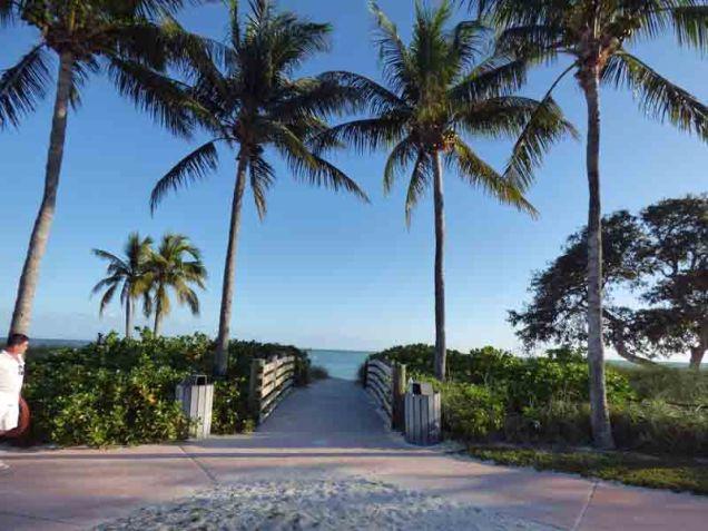 b-beach-entrance-sombrero-beach