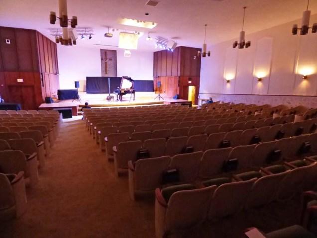 b04-island-community-church-interior
