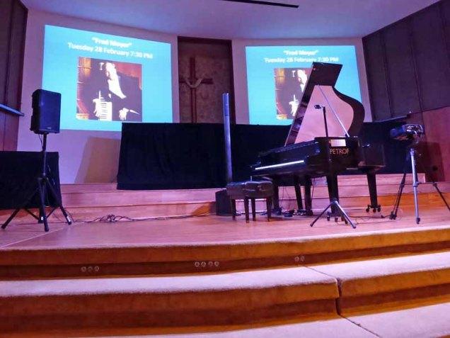b05-slide-show-before-concert