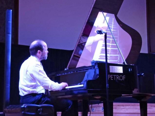 b08-frederick-moyer-in-concert